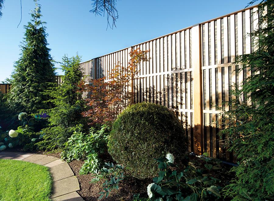 how-to-adjust-wood-plastic-fence