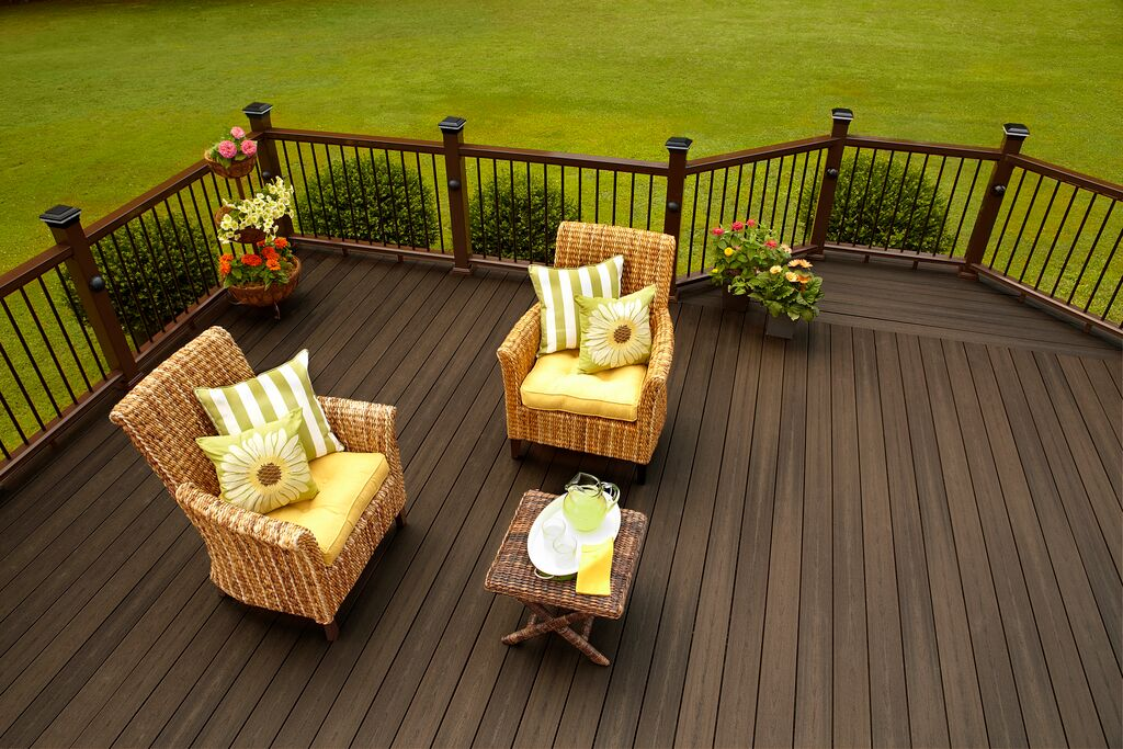 install-wood-plastic-floor-for-roof-gardens