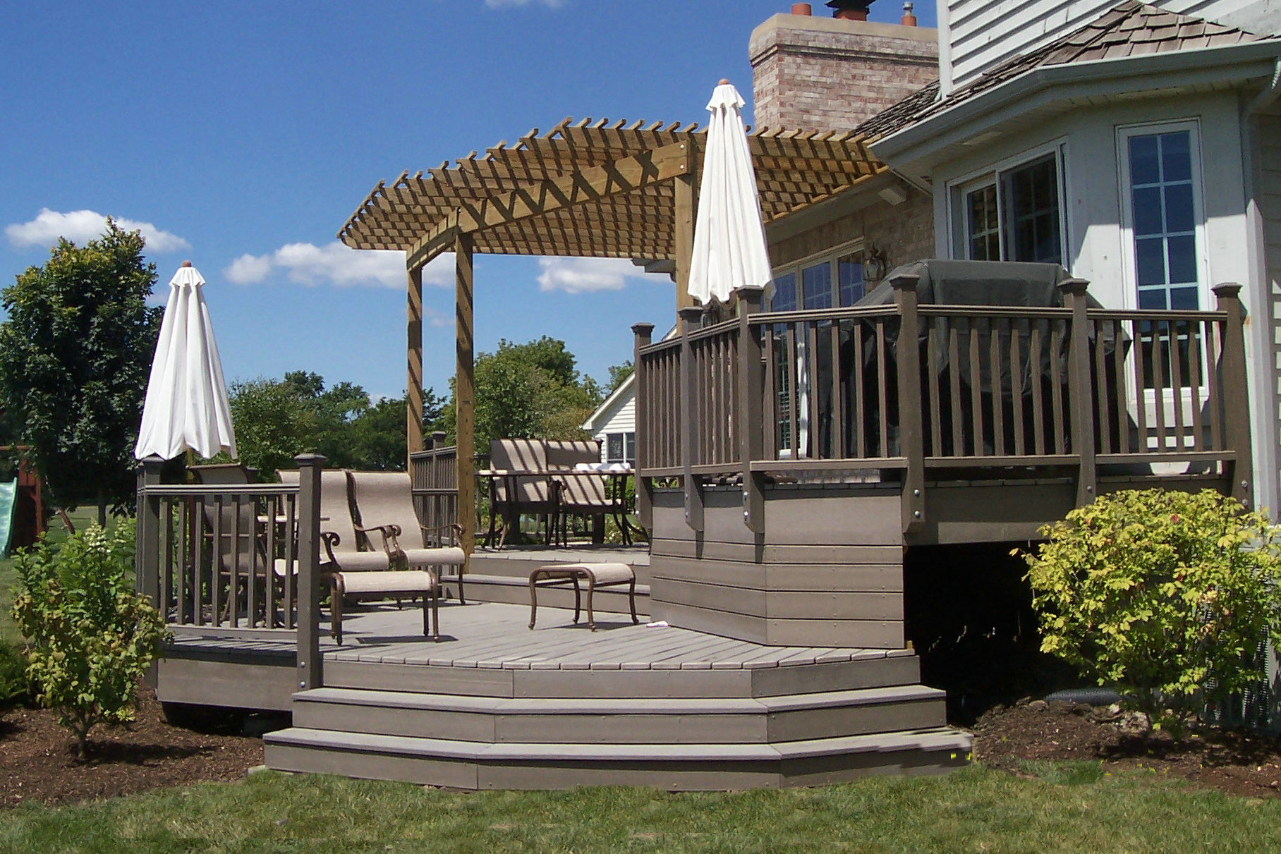 solid composite wood decking for outdoor